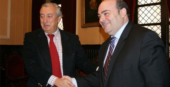 El Ayuntamiento de Oviedo y Renfe firman un convenio para promocionar el Turismo de Congresos en la capital