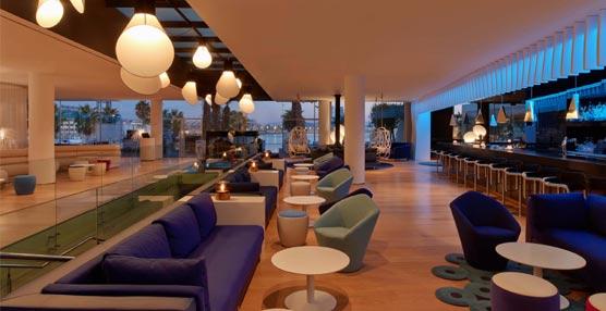 W Barcelona invierte un millón de euros en renovar el W Lounge, inspirado en los colores y estilo de la ciudad condal