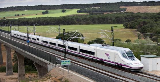 Renfe cierra el año con una cifra récord de 25 millones de viajeros en trenes AVE y Larga Distancia, un 13% más que en 2012