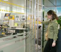 Ocho millones de españoles contratan su viaje a través de una agencia en 2012, un 14% menos que en 2011