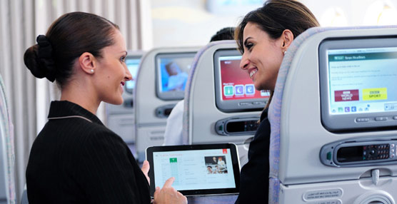 La norma española se adapta a la europea, permitiendo el uso de dispositivos electrónicos en todas las fases del vuelo