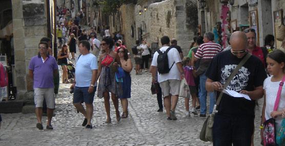 España se mantiene como el país de la Unión Europea con más ingresos por Turismo, aunque Francia acorta distancias