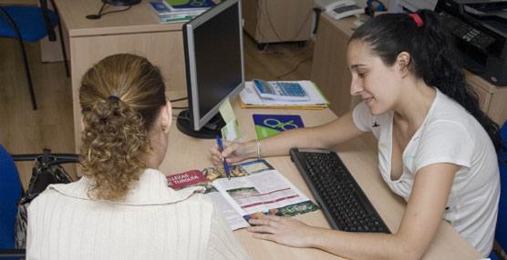 Las agencias de viajes están a la cola en el empleo turístico en España, concentrando en 2012 el 2,6% de los trabajadores