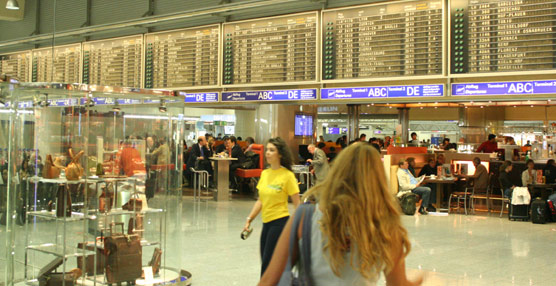 El tráfico de pasajeros aéreos crece por encima del 5% durante 2013 gracias al impulso de Oriente Medio y Asia-Pacífico