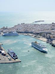 Los puertos españoles cierran 2013 con 100.000 pasajeros de cruceros más, superando con creces los siete millones