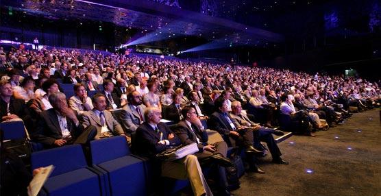 Los delegados que asisten a los congresos en Barcelona son potenciales clientes de los servicios de la ciudad.