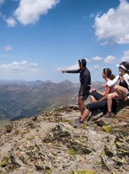 Rifai: 'Los 'resorts' de todo el mundo tienen el reto de cambiar el enfoque del Turismo de esquí por el de montaña'