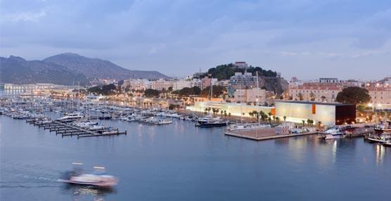 El Palacio de Congresos 'El Batel' de Cartagena acoge el 63 Congreso Nacional de Interflora con asistentes de toda España