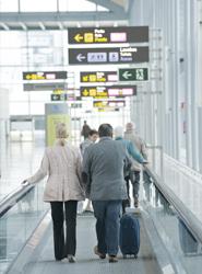 Tres de cada diez turistas contratan un viaje combinado.