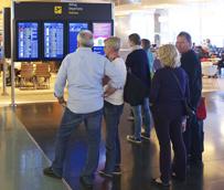 Los pagos de los españoles para viajar al extranjero ponen fin a dos años de caídas y aumenta un 2% en 2013