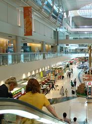 Bruselas avanza en la supresión del visado para Emiratos Árabes Unidos, Perú, Colombia y otros 16 países