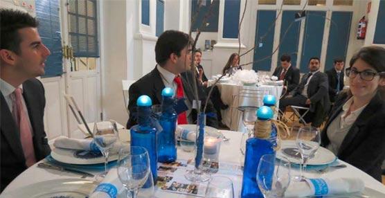 La decoradora francesa Elisabeth Butaud visita la Escuela Internacional de Hotelería y Turismo Vatel España