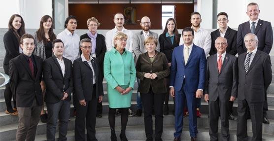 La canciller alemana Ángela Merkel recibe en Berlín a representantes y alumnos de Lopesan-IFA Hotels & Touristik AG