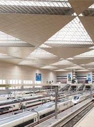 Zaragoza renueva su convenio con Renfe para potenciar la llegada de turistas a través del tren