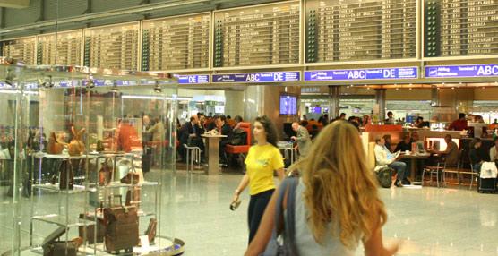 La OMT elogia la decisión del Gobierno británico de revisar a la baja la tasa que cobra a los pasajeros aéreos