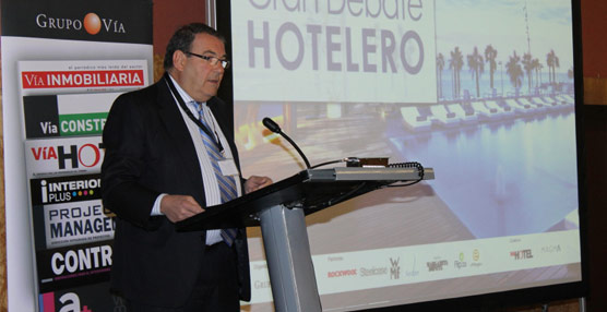 El Gran Debate Hotelero, celebrado en Barcelona, pone la mirada en el problema de la oferta turística ilegal