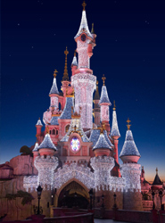 Los cinco Parques Disney del mundo y UNICEF celebran el 50 aniversario de  la atracción 'It's a small world'