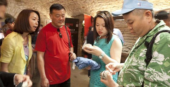 Los turistas chinos lideran las compras libres de impuestos por sexto año consecutivo, creciendo un 20% respecto a 2012