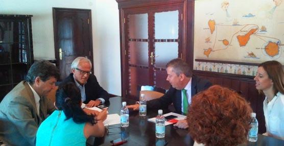 Ayuntamiento, Palacio de Congresos y hoteleros trabajarán juntos para promocionar Las Palmas como ciudad de congresos