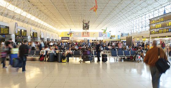 Los pagos de los españoles para viajar al extranjero crecen en marzo por undécimo mes consecutivo pese al efecto Semana Santa