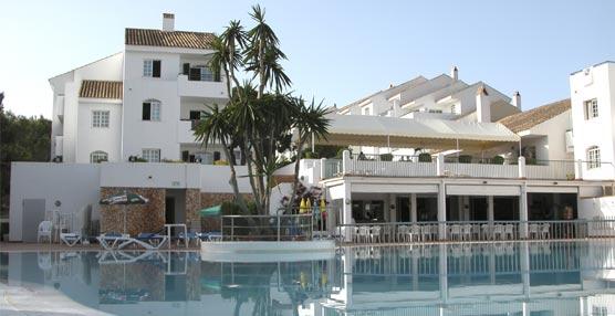 El hotel Confortel Menorca reabre sus puertas al público tras el cierre durante la temporada de invierno