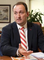 Canarias asegura que una adecuada política de tasas del Estado habría evitado el Fondo de Desarrollo de Vuelos