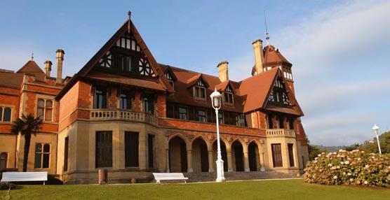 El Palacio de Miramar de San Sebastián acoge a más de 500 profesionales de la psicología durante un congreso