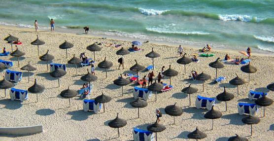 La excesiva dependencia del 'sol y playa' pasa factura a Baleares, único destino que pierde turistas en 2014