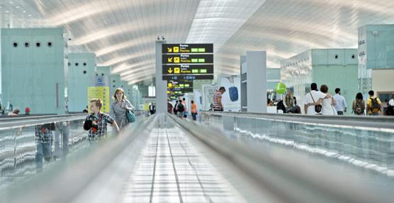 Adolfo Suárez Madrid-Barajas y Barcelona-El Prat son los aeropuertos más transitados de la red.