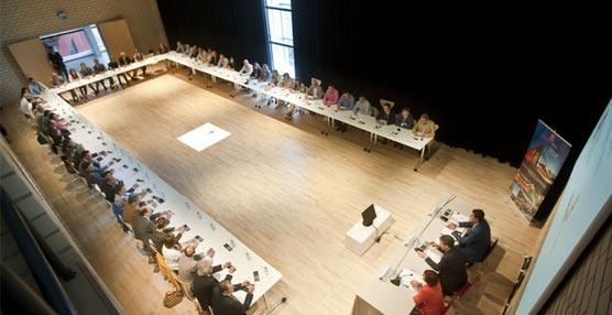 Burgos reúne a sus colegios profesionales con el objetivo de que colaboren en la captación de reuniones para la ciudad