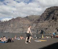 España recibe 28 millones de turistas en el primer semestre, dos millones más que en el mismo periodo del año anterior