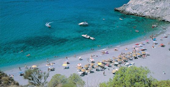 El litoral andaluz recibió 13 millones de turistas en 2013 que generaron más de 10.000 millones de euros en ingresos