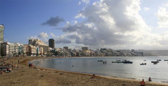 Canarias logra un nuevo record en turistas extranjeros en julio: 925.000 pasajeros, un 10,17% más que en 2013