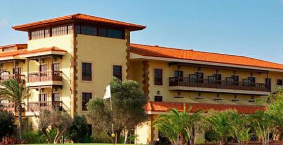 Hoteles Elba organiza una acción de donación colectiva con directivos y clientes dentro del 'Ice Bucket Challenge'