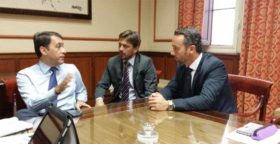Ashotel y el Ayuntamiento de Santa Cruz revisan los detalles del acto inaugural del Congreso de Hoteleros Españoles