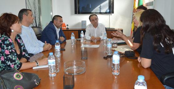 Rodríguez asegura que las prospecciones cercanas a la costa 'son incompatibles con el modelo turístico andaluz'