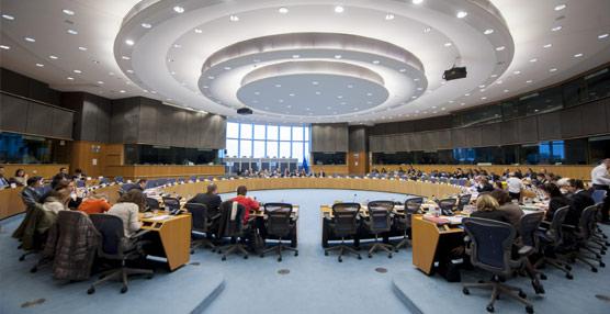 Grandes organizaciones recaban apoyos en el Parlamento Europeo para la creación de un grupo de Turismo