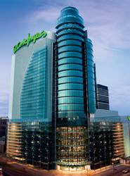 El Corte Inglés lanza una acción promocional en Moscú para mostrar el gran atractivo de España como destino de compras