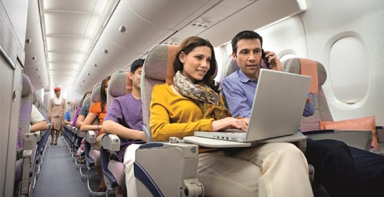 El Wi-Fi gratuito a bordo de los aviones será un servicio estándar en el futuro, según Emirates