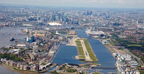 La oferta de vuelos entre Madrid y el London City Airport aumentará este invierno, sobre todo, por los viajeros de negocios
