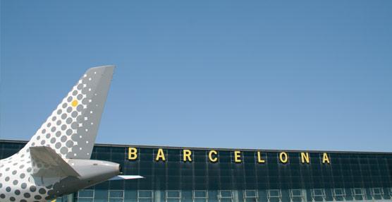 Las aerolíneas de 'bajo coste' alcanzan a las tradicionales, concentrando la mitad de las entradas por vía aérea en octubre
