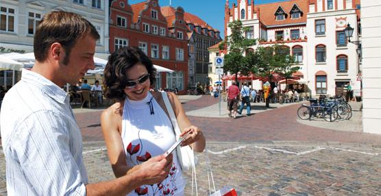 Bruselas financiará proyectos para impulsar los flujos turísticos de personas mayores y jóvenes en temporada baja