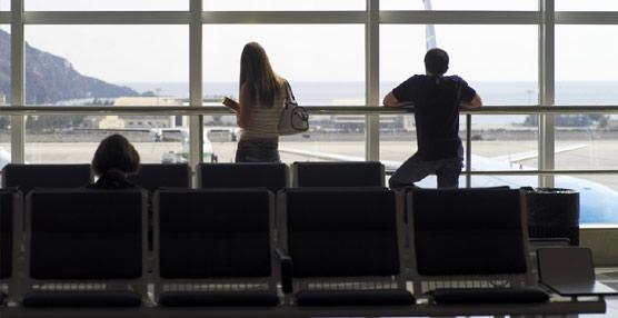 Los españoles realizan 131 millones de viajes en los diez primeros meses , un millón menos que en el mismo periodo de 2013