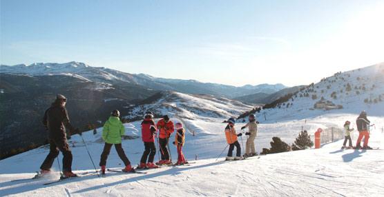 Las estaciones de esquí confían en superar esta temporada la cifra de visitantes que registraron en la anterior