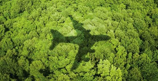 Boeing realiza el primer vuelo de prueba del mundo con diésel verde como combustible en uno de los motores del avión
