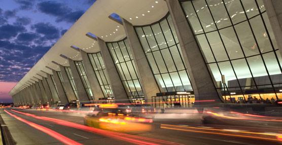 La nueva solución Amadeus Taxi & Transfer facilita el transporte puerta a puerta en los desplazamientos aéreos