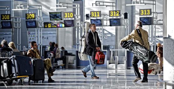 Los españoles gastan en viajes al extranjero en los diez primeros meses del año 1.000 millones de eurosmás que en 2013