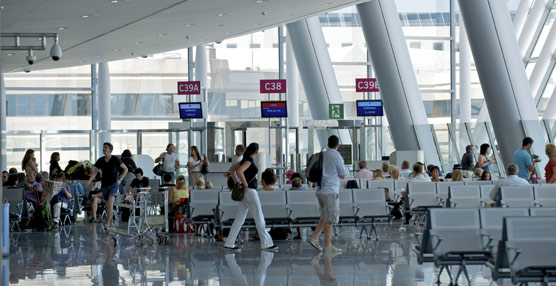 Canarias y Grecia lideran el crecimiento del tráfico aéreo en Alemania, con aumentos del 15% y 18% en la temporada de verano