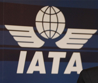 CEAV, IATA e Iberia se reunirán a principios de marzo para intentar acabar con la duplicidad de avales