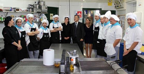 El Palacio de Exposiciones y Congresos de Estepona abre un restaurante de la Escuela de Hostelería